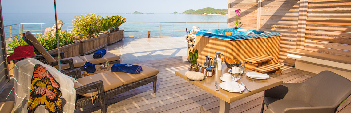 The Week end hotel luxury room with terrasse and sea view with jacuzzi