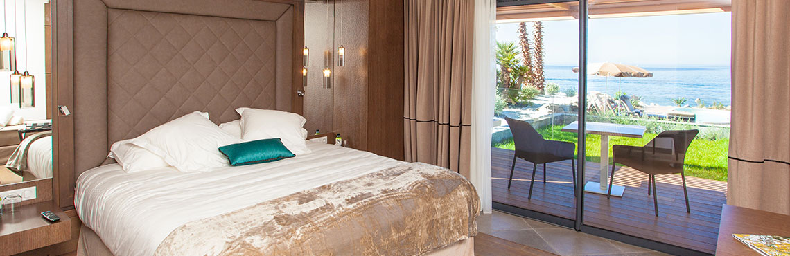 The Week end hotel luxury room with sea view