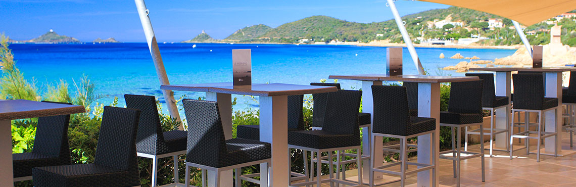The Week end restaurant terrace with sea view